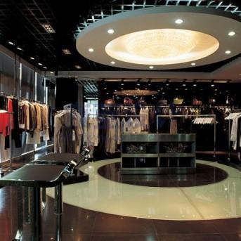 深圳南山区新世界中心某品牌服装专卖店装修
