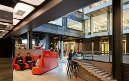 【创意办公楼装修改造】精彩重塑:Alphabeta创意办公楼装修改造_康蓝装饰公司