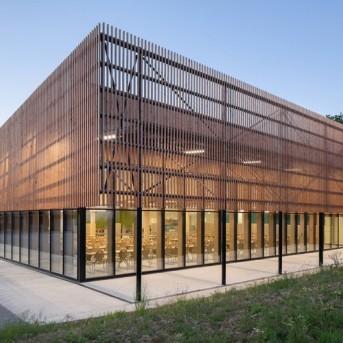 法国中学食堂设计装修1200平方工程案例赏析