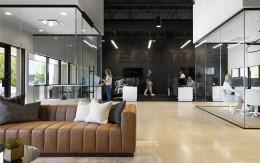 500多平方米的办公室,是如何设计装修出档次感?